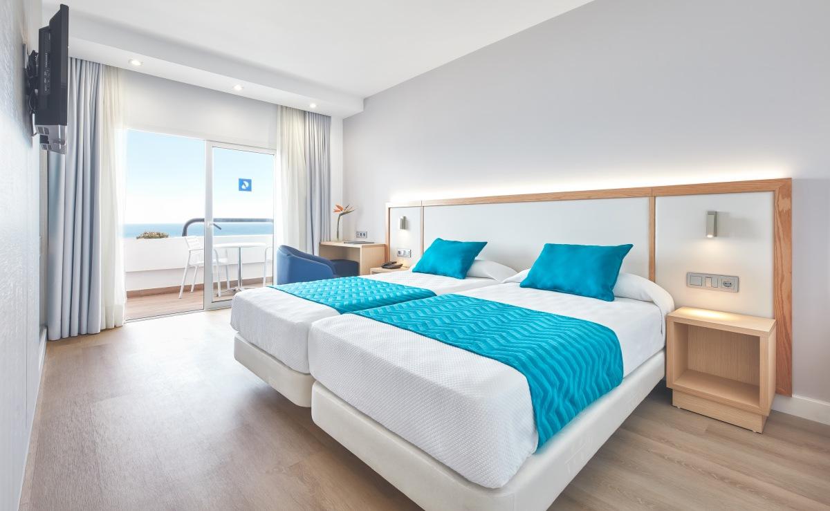 Hotel-Lancelot-room1-px